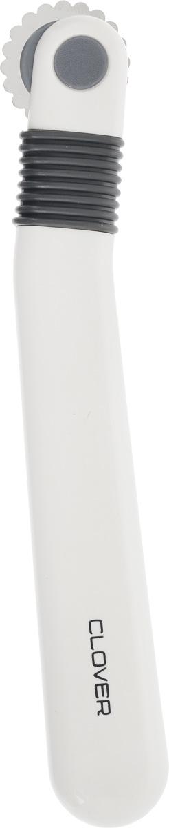Ролик копировальный Clover481/WКопировальный ролик с плоскими зубцами Clover используется для нанесения разметки на ткань при помощи копировальной бумаги. Плоские зубцы предотвращают разрыв бумаги. Ручка ролика выполнена из прочного пластика, рабочая часть - из металла. Длина изделия: 13 см. Диаметр рабочей части: 2 см.