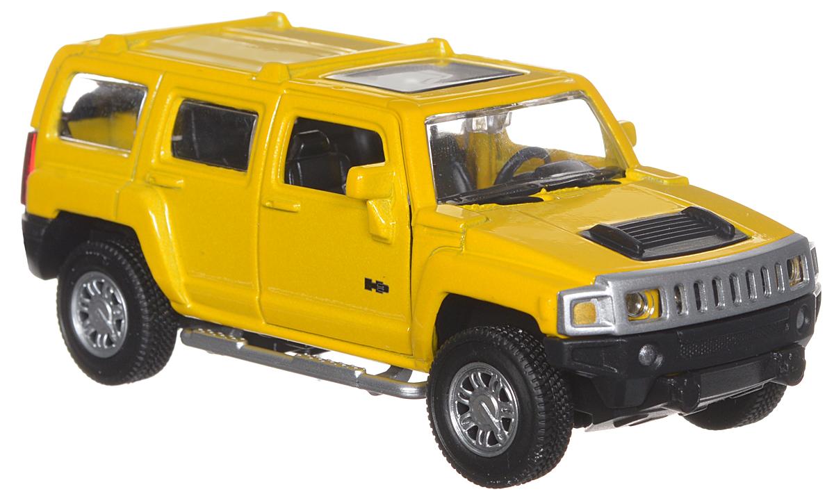 ТехноПарк Модель автомобиля Hummer H367301_желтыйМодель автомобиля ТехноПарк Hummer H3 - это точная копия оригинальной машины в масштабе 1:43. Выполненная из высококачественных материалов, она обязательно понравится не только ребенку, но и взрослому. Игрушечная модель оснащена металлическим корпусом и подвижными колесами. Передние двери машинки открываются, салон детализирован. Игрушка оснащена инерционным ходом. Для того чтобы автомобиль поехал вперед, необходимо его отвести назад, а затем резко отпустить. Прорезиненные колеса обеспечивают надежное сцепление с любой поверхностью пола. Машинка является отличным подарком для юного гонщика. Во время игры с такой машинкой, у ребенка развивается мелкая моторика рук, фантазия и воображение.