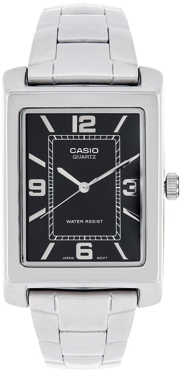 Часы мужские наручные Casio, цвет: стальной, черный. MTP-1234PD-1AMTP-1234PD-1AСтильные мужские часы Casio выполнены из гипоаллергенной латуни, нержавеющей стали и минерального стекла. Циферблат часов оформлен символикой бренда. Корпус изделия имеет степень влагозащиты равную 3 Bar. Браслет застегивается на замок-клипсу, который позволит моментально снимать и надевать часы без лишних усилий. Изделие поставляется в фирменной упаковке. Часы Casio подчеркнут мужской характер и отменное чувство стиля их обладателя.