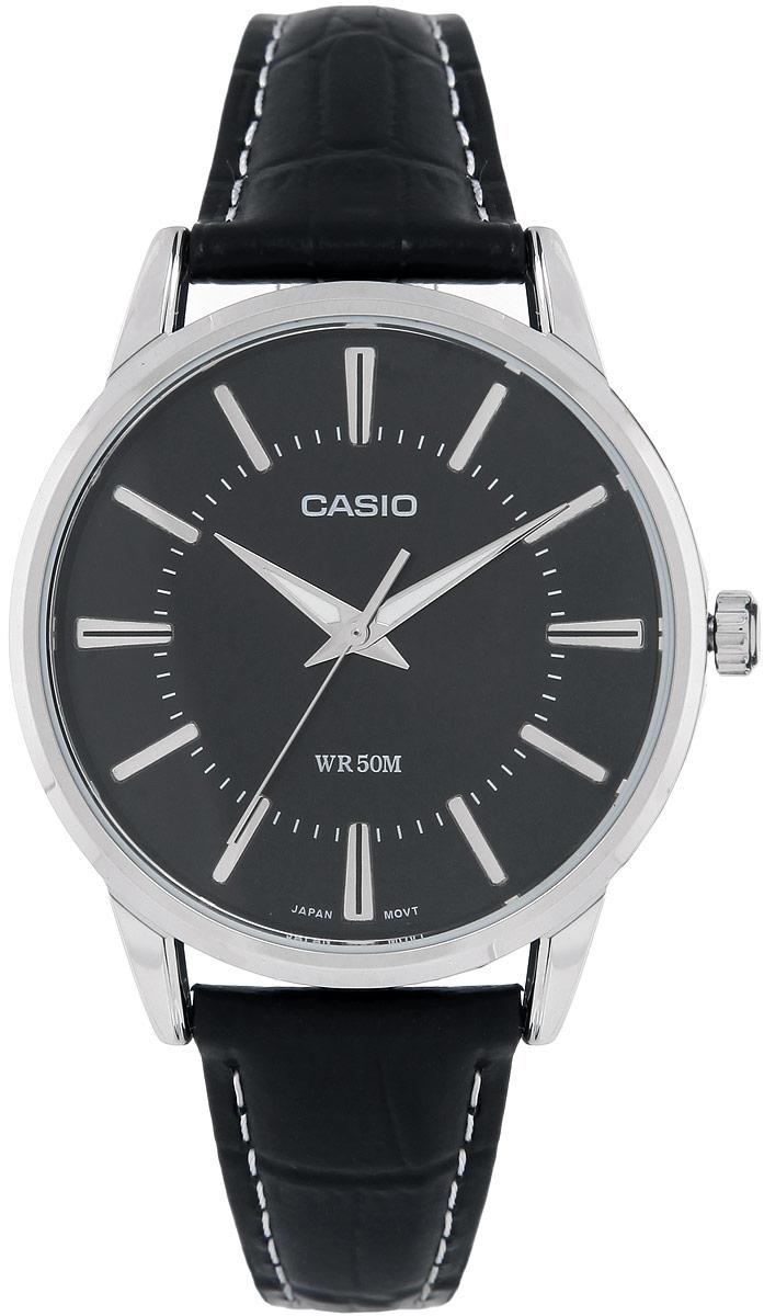 Часы мужские наручные Casio, цвет: стальной, черный. MTP-1303PL-1AMTP-1303PL-1AСтильные мужские часы Casio выполнены из гипоаллергенной латуни, натуральной кожи и минерального стекла. Циферблат часов оформлен символикой бренда, ремешок дополнен контрастной строчкой и тиснением под кожу рептилии. Корпус изделия имеет степень влагозащиты равную 5 Bar, на стрелки часов нанесен светящийся состав. Ремешок оснащен классической пряжкой, которая позволит моментально снимать и надевать часы без лишних усилий. Изделие поставляется в фирменной упаковке. Часы Casio подчеркнут мужской характер и отменное чувство стиля у их обладателя.