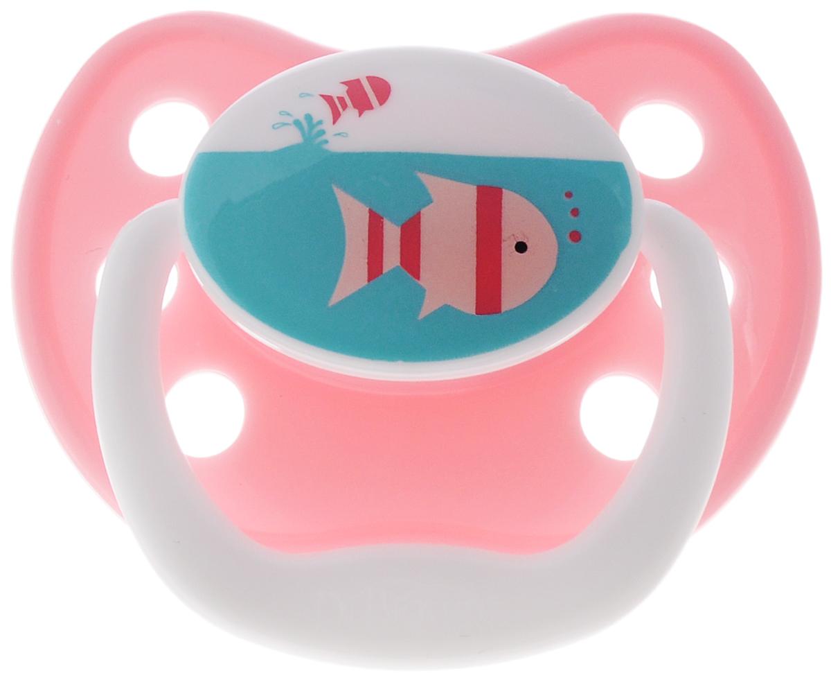 Dr.Browns Пустышка PreVent Классик Рыбки от 12 месяцевPV31305_розовый/рыбкиПустышка Dr.Browns PreVent. Классик. Рыбки предназначена для малышей от 12 месяцев. Пустышка удовлетворяет естественный сосательный рефлекс и тренирует мышцы губ, языка и челюсти, что играет важную роль в развитии речевых навыков и навыков приема пищи. Мягкая пустышка выполнена из прозрачного гигиеничного силикона, не имеющего вкуса и запаха. Имеет воздушный канал, который впускает воздух, благодаря чему пустышка остается мягкой и гибкой, что минимизирует риск неправильного расположения зубов. Снабжена вентиляционной системой. Пустышка с защелкивающимся колпачком. Не содержит Бисфенол-А.