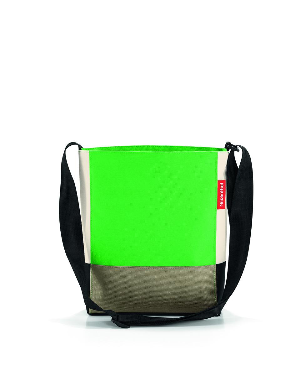 Сумка женская Reisenthel Shoulderbag, цвет: зеленый. HY5032HY5032Универсальная женская сумка Reisenthel Shoulderbag изготовлена из плотного полиэстера ярких оттенков. Сумка содержит одно вместительное отделение, закрывающееся на застежку-молнию. Внутри расположен врезной карман на молнии. Изделие дополнено практичным плечевым ремнем регулируемой длины. Практичная сумка станет незаменимым аксессуаром для повседневного использования.