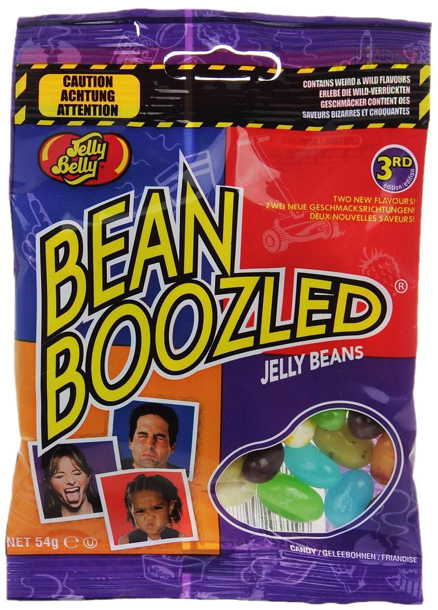 Jelly Belly Драже жевательное Ассорти Bean Boozled, 54 гУТ-00000355Безумная коллекция от Jelly Belly: примешь ли ты вызов Bean Boozled, сравнивая вкуснейшие любимые желейные бобы с отвратительными? Вы никогда не узнаете какие из них окажутся неземным наслаждением, а какие — жутким разочарованием. Бобы со вкусом сочной груши не отличить от бобов с ароматом сочных соплей! Сладкая карамельная кукуруза в Bean Boozled может оказаться протухшим сыром. В серии Бин Бузлд единственный шанс узнать вкус желейных бобов — это рискнуть и попробовать. Зови друзей и подруг: проверь кто из них самый смелый и удачливый. Внимание! Упаковка содержит странные вкусы: вонючие носки, скошенная трава, тухлое яйцо, зубная паста, собачий корм, детские подгузники.