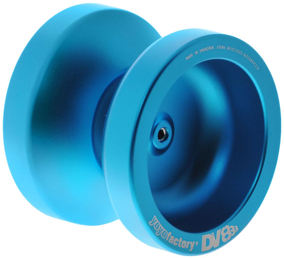 YoYoFactory Йо-йо DV888 цвет голубойYYFDV888_голубойЙо-йо YoYoFactory DV888 ассоциировалось с мастером Марком Монтгомери, выступающим на мировых и национальных соревнованиях. Долгие годы его любимцем было именно DV8. Спустя многие годы после выхода в свет DV8 компания YoYoFactory выпускает йо-йо вобравшее в себя то, чем так запомнилось многим то самое легендарное творение. Объединив в названии DV8 и самое продаваемое йо-йо 2007 года - 888. Йо-йо - это игрушка, состоящая из двух симметричных половинок соединенных осью, к которой прикреплена веревка. Современный йо-йо значительно отличается от тех, к которым многие привыкли. Сейчас йо-йо - это такая же часть молодежной культуры как скейт, ВМХ или сноуборд. Йо-йо популярно во многих странах мира, таких как Россия, США и Япония. Ежегодно во всем мире проходят различные чемпионаты по игре с йо-йо, в том числе и Чемпионат России, в котором собираются лучшие игроки со всей страны.
