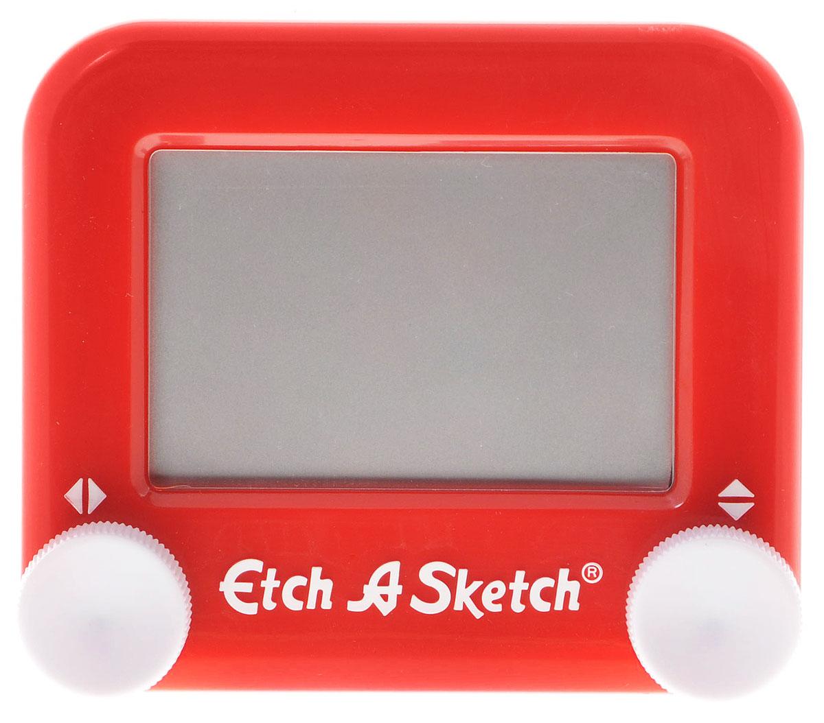 Etch-A-Sketch Волшебный экран цвет красный516_красныйВолшебный экран Etch-A-Sketch, непременно понравится вашему ребенку и станет для него любимой игрушкой. Волшебный экран поможет вашему ребенку создавать рисунки одной линией, посредством вращения двух круглых ручек, расположенных в нижних углах (одна из них перемещает указатель по вертикали, а другая по горизонтали). Самым сложным считается рисовать круглые объекты, волнистые линии и плавные изгибы. Внутри экрана находится специальный порошок, который счищает тонкий указатель с внутренней поверхности экрана, оставляя за собой темную линию. Для того чтобы стереть свой рисунок, достаточно просто перевернуть экран вниз и потрясти, и он снова станет серым, при этом указатель начнет чертить ровно из той точки, где закончился предыдущий рисунок. Компактный размер экрана позволяет брать его с собой в дорогу. Активно развивает связь между правым и левым полушариями мозга!