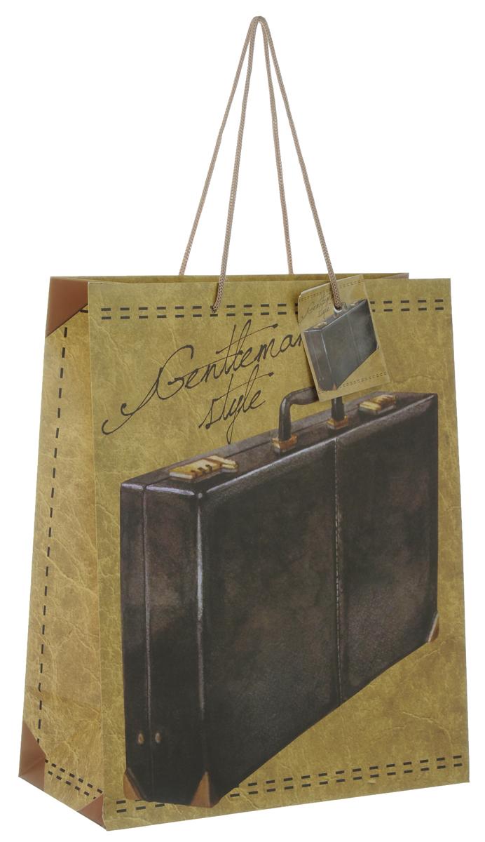 Пакет подарочный Феникс-Презент Дипломат, 26 х 12,7 х 32,4 см39664Подарочный пакет Феникс-Презент Дипломат, изготовленный из плотной бумаги, станет незаменимым дополнением к выбранному подарку. Дно изделия укреплено картоном, который позволяет сохранить форму пакета и исключает возможность деформации дна под тяжестью подарка. Пакет выполнен с глянцевой ламинацией, что придает ему прочность, а изображению - яркость и насыщенность цветов. Для удобной переноски на пакете имеются две ручки из шнурков. Подарок, преподнесенный в оригинальной упаковке, всегда будет самым эффектным и запоминающимся. Окружите близких людей вниманием и заботой, вручив презент в нарядном, праздничном оформлении. Плотность бумаги: 140 г/м2.