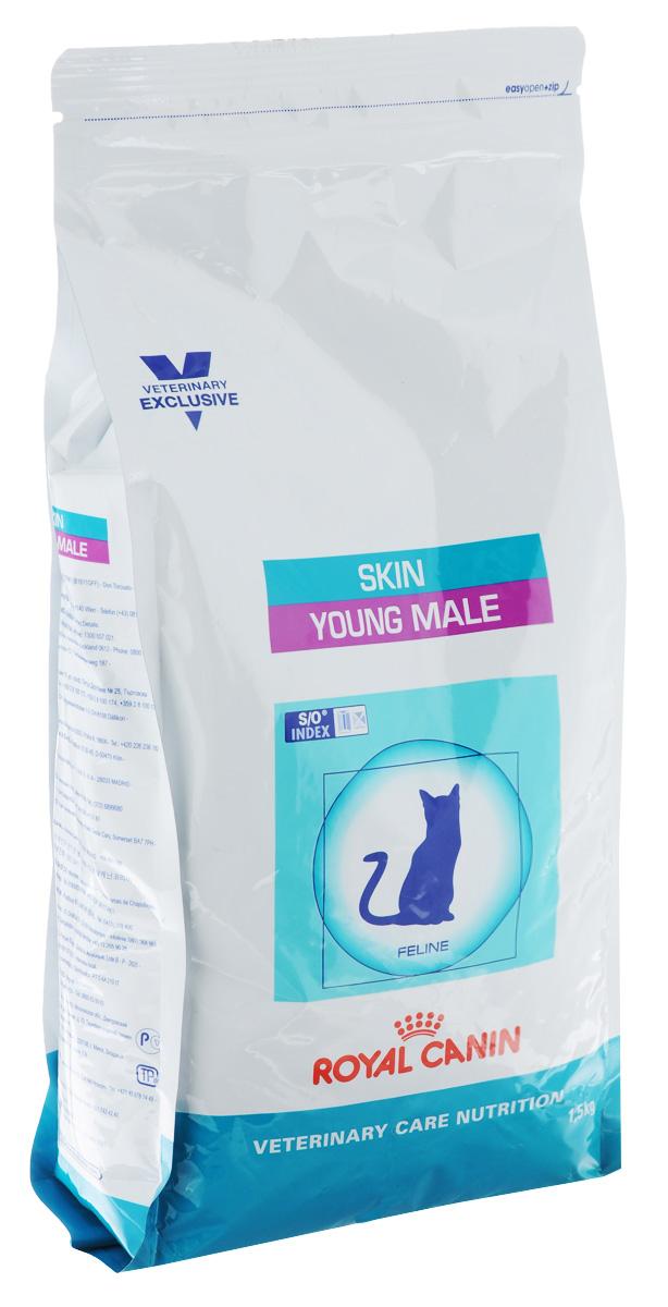 Корм сухой Royal Canin Young Male Skin для молодых кастрированных котов c чувствительной кожей и длинной шерстью с момента операции до 7 лет, 1,5 кг52562Royal Canin Young Male Skin - полнорационный сухой корм для кастрированных котов до 7 лет с повышенной чувствительностью кожи и шерсти. Оптимальный вес: - диета с высоким содержанием белка помогает поддерживать мышечную массу в норме. При одном и том же уровне метаболизма белки дают меньше чистой энергии, чем углеводы. L-карнитин улучшает транспорт жирных кислот в митохондрии. Барьерная функция кожи: - комплекс, состоящий из ниацина, инозита, холина, гистидина и пантотеновой кислоты, уменьшает потерю жидкости через кожу и усиливает ее барьерную функцию. S/O Index : Знак S/O Index на упаковке означает, что диета предназначена для создания в мочевыделительной системе среды, неблагоприятной для образования кристаллов оксалата кальция. Состав: дегидратированные белки животного происхождения (птица), кукуруза, пшеничная клейковина, кукурузная клейковина, рис, животные жиры, гидролизат, белков животного происхождения,...