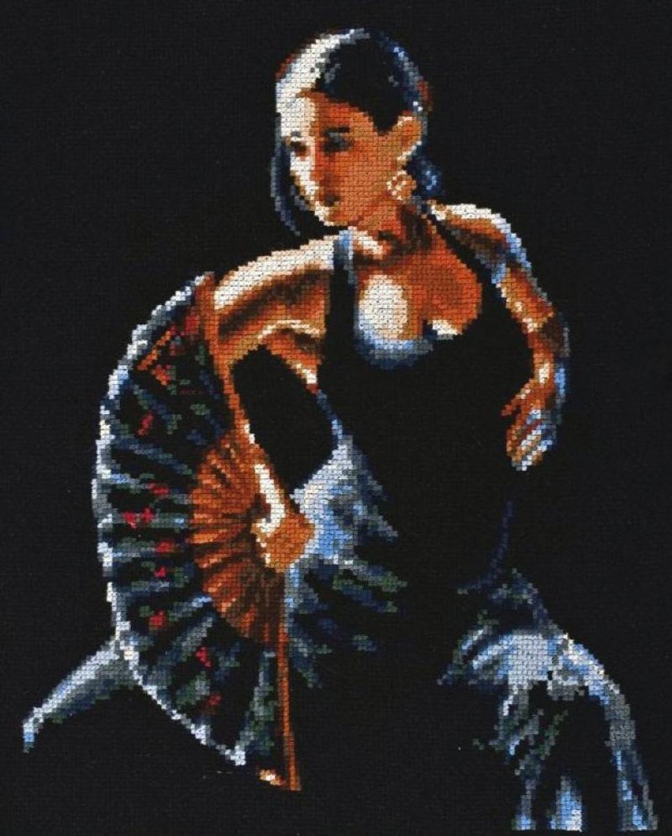 Набор для вышивания крестом Палитра Фламенко, 24 x 30 см549246Набор для вышивания Палитра Фламенко поможет создать красивую вышитую картину. Рисунок-вышивка, выполненный на канве, выглядит стильно и модно. Вышивание отвлечет вас от повседневных забот и превратится в увлекательное занятие! Работа, сделанная своими руками, не только украсит интерьер дома, придав ему уют и оригинальность, но и будет отличным подарком для друзей и близких! Набор для вышивания содержит все необходимые материалы для вышивки на канве в технике счетный крест. В состав набора входит: - канва Aida №14 черного цвета, - нитки мулине ПНК им. Кирова - 19 цветов, - игла Pony, - цветная символьная схема, - подробная инструкция на русском языке. Размер канвы: 40 х 37,5 см.