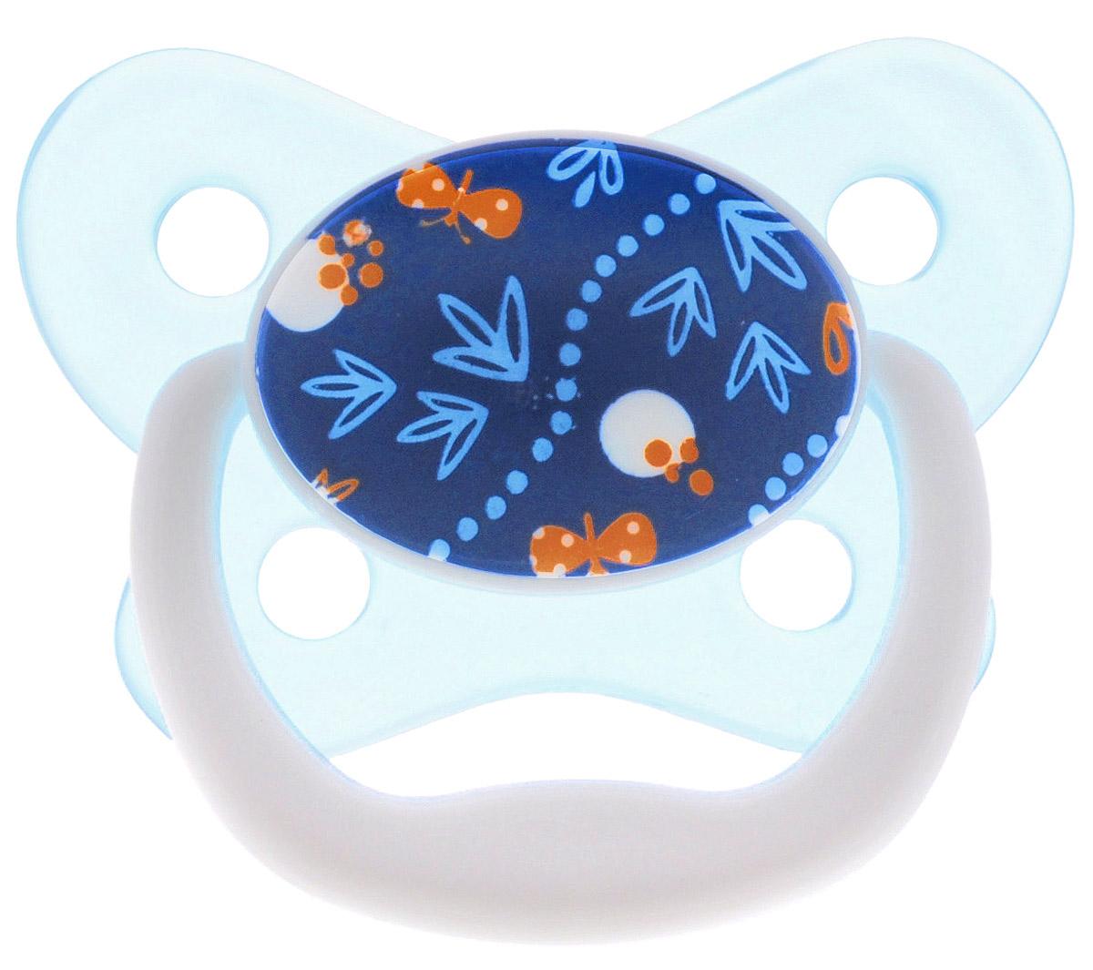 Dr.Browns Пустышка PreVent Бабочка от 6 до 12 месяцев цвет бирюзовый синийPV21404_бирюзовый,синийПустышка Dr.Browns PreVent Бабочка разработана детским стоматологом и предназначена для малышей от 6 до 12 месяцев. Пустышка снабжена контурным ободком, обеспечивающим нежное касание лица ребенка. Она имеет воздушный канал, ослабляющий разрежение и снижающий давление на небо. Мягкая, ослабляющая разрежение грушевидная часть соски при сосании расходится в стороны, создавая комфортные условия. Тонкая ножка уменьшает воздействие на рот ребенка. Пустышка удовлетворяет естественный сосательный рефлекс и тренирует мышцы губ, языка и челюсти, что играет важную роль в развитии речевых навыков и навыков приема пищи Снабжена защелкивающимся гигиеничным колпачком. Не содержит Бисфенол-А.