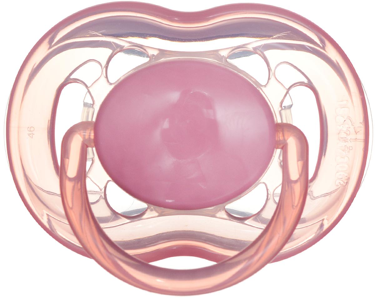 Philips Avent Пустышка силиконовая от 6 до 18 месяцев цвет розовый SCF178/14SCF178/14Силиконовая пустышка Avent имеет шесть отверстий в ободке для большего комфорта чувствительной кожи малыша. Силикон не обладает вкусом и запахом, что делает этот материал наиболее приемлемым для младенца. Пустышка помогает удовлетворить естественную потребность в сосании, а также тренирует мышцы губ, языка и челюсти, что играет важную роль в развитии речи и способности пережевывать пищу. Плоские симметричные соски каплевидной формы учитывают естественное расположение неба, зубов и десен младенца, даже если соска переворачивается у него во рту. Защелкивающийся защитный колпачок предназначен для гигиеничного хранения стерилизованных пустышек, а кольцевая ручка обеспечит более удобное вынимание пустышки.