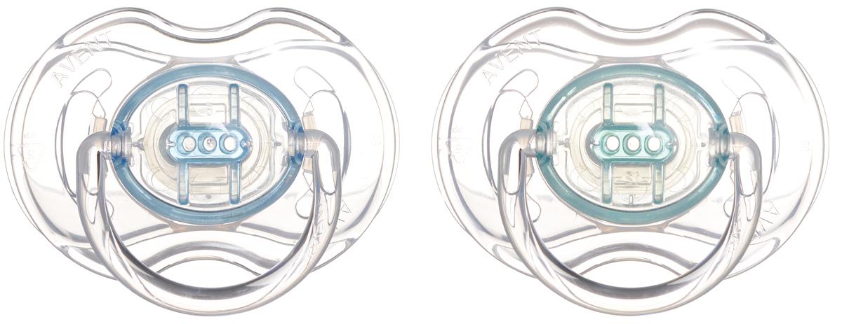 Philips Avent Пустышка силиконовая Классика от 0 до 6 месяцев цвет бирюзовый голубой 2 шт SCF170/18SCF170/18Силиконовая пустышка Классика помогает удовлетворить естественную потребность в сосании, а также тренирует мышцы губ, языка и челюсти, что играет важную роль в развитии речи и способности пережевывать пищу. Плоские симметричные соски каплевидной формы учитывают естественное расположение неба, зубов и десен младенца, даже если соска переворачивается у него во рту. Защитный колпачок предназначен для гигиеничного хранения стерилизованных пустышек, а кольцевая ручка обеспечит более удобное вынимание пустышки. Силикон не обладает вкусом и запахом, что делает этот материал наиболее приемлемым для младенца.