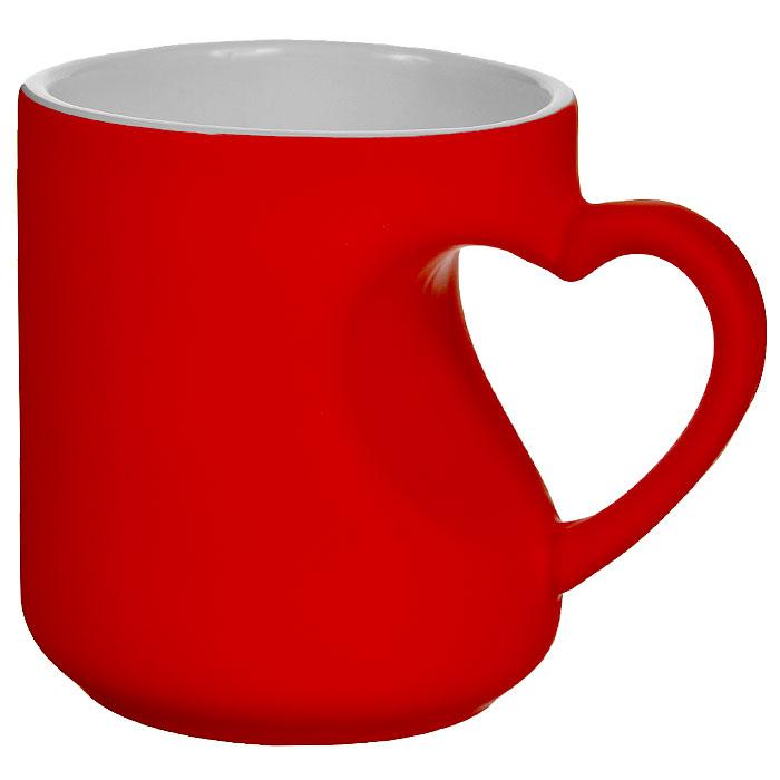 Кружка-хамелеон Эврика Сердце, цвет: красный, 340 мл95339Кружка-хамелеон Сердце, выполненная из высококачественной керамики, станет отличным подарком для человека, ценящего забавные и практичные подарки. Вогнутая стенка кружки с ручкой образует выемку в форме сердца. При наливании в кружку горячего напитка цвет изделия меняется. Такой подарок станет не только приятным, но и практичным сувениром для вас и ваших близких. Диаметр кружки (по верхнему краю): 8,2 см. Высота кружки: 9,2 см.