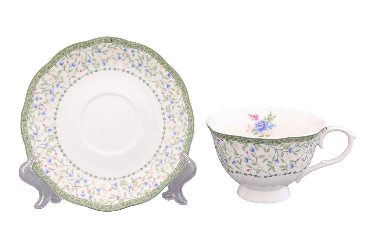 Чайная пара Elan Gallery Лето, 2 предмета420063Чайная пара Elan Gallery Лето состоит из чашки и блюдца, изготовленных из керамики высшего качества, отличающегося необыкновенной прочностью и небольшим весом. Яркий дизайн, несомненно, придется вам по вкусу. Чайная пара Elan Gallery Лето украсит ваш кухонный стол, а также станет замечательным подарком к любому празднику. Не рекомендуется применять абразивные моющие средства. Не использовать в микроволновой печи. Объем чашки: 250 мл. Диаметр чашки (по верхнему краю): 10,5 см. Высота чашки: 7 см. Диаметр блюдца: 15 см. Высота блюдца: 2,5 см.