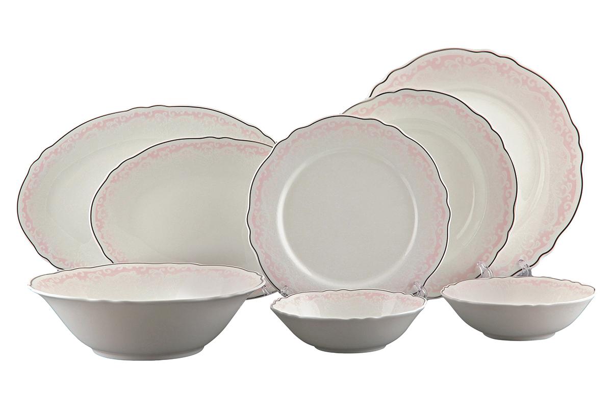Сервиз столовый Elan Gallery Розовый шик, 23 предмета530049Столовый сервиз Elan Gallery Розовый шик прекрасно впишется в любой классический интерьер. Предметы набора выполнены из высококачественной керамики и оформлены рельефным орнаментом с серебристой каемкой. В набор входят: 6 обеденных тарелок, 6 суповых тарелок, 6 десертных тарелок, 3 салатника и 2 блюда. Набор Elan Gallery Розовый шик прекрасно оформит праздничный стол и удивит вас изысканным дизайном. Не рекомендуется применять абразивные моющие средства. Не использовать в микроволновой печи. Диаметр суповой тарелки (по верхнему краю): 22, см. Высота суповой тарелки: 4,3 см. Диаметр обеденной тарелки (по верхнему краю): 27 см. Высота обеденной тарелки: 2 см. Диаметр десертной тарелки (по верхнему краю): 21,5 см. Высота десертной тарелки: 1,8 см. Размер блюд (по верхнему краю): 26,3 х 17,7 см; 30,5 х 20,2 см. Высота блюд: 1,8 см; 2 см. Диаметр салатников (по верхнему краю): 16 см; ...
