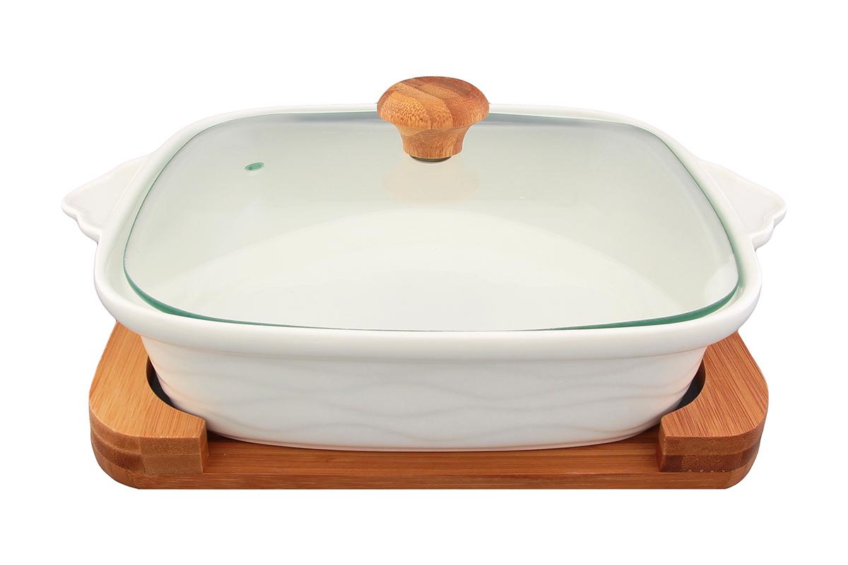 Блюдо для запекания и сервировки Elan Gallery Айсберг, с крышкой, на подставке, 1,3 л540041Блюдо для запекания и сервировки Elan Gallery Айсберг, изготовленное из высококачественной керамики, идеально подойдет для приготовления блюд в духовке и микроволновой печи. Посуда выдерживает температуру от -24°C до +220°С. Изделие оснащено стеклянной прозрачной крышкой с ручкой из дерева и отверстием для вывода пара. Блюдо станет отличным дополнением к вашему кухонному инвентарю и подчеркнет ваш прекрасный вкус. Можно использовать в микроволновой печи, духовке. Крышка не предназначена для использования при высоких температурах. Размер блюда (с учетом ручек): 29 х 24 см. Высота стенки:13 см. Объем блюда: 1,3 л.