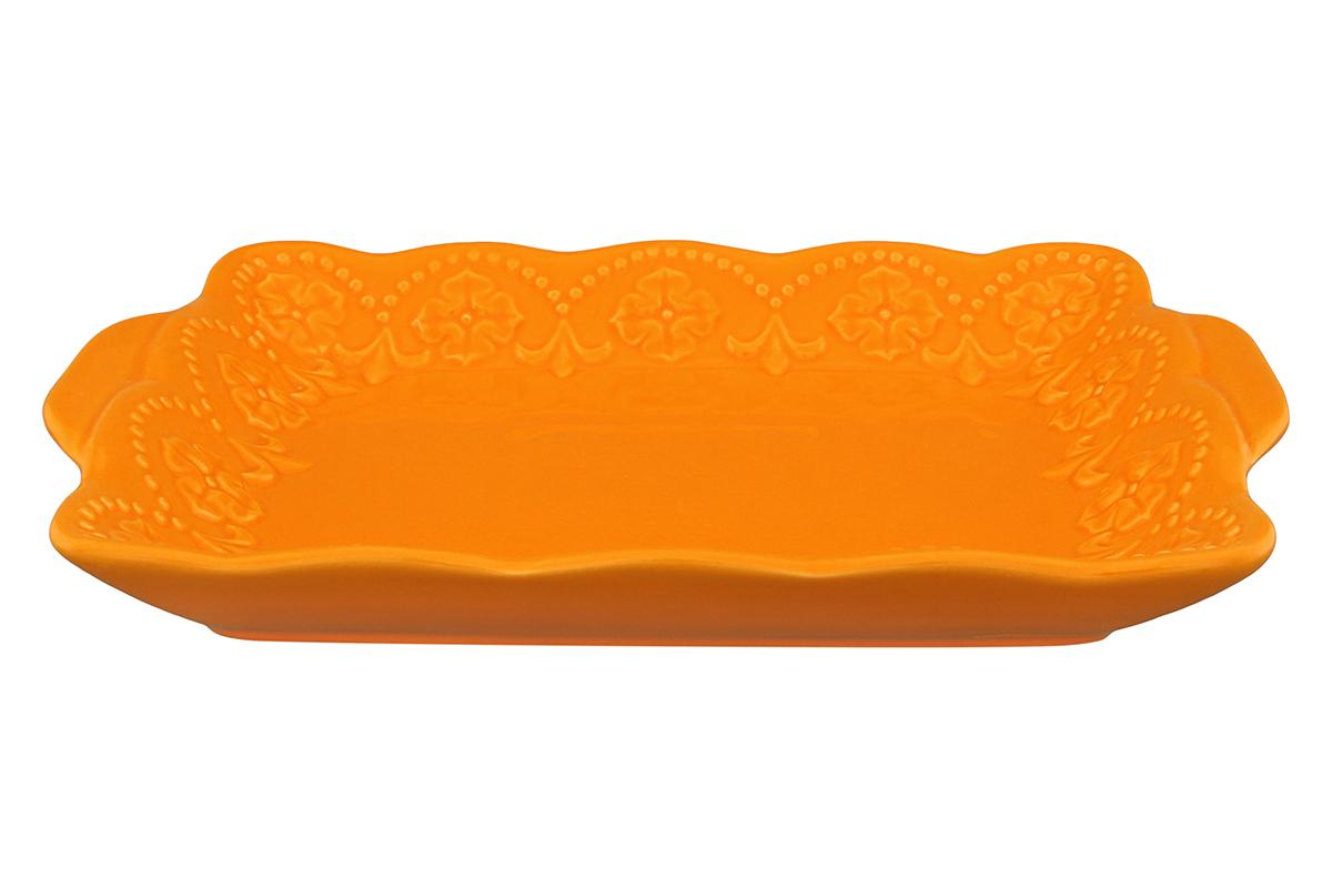 Тарелка для масла и нарезки Elan Gallery Узор, цвет: оранжевый, 20,5 х 14 см830055Тарелка для масла и нарезки Elan Gallery Узор изготовлена из высококачественной керамики и украшена рельефным узором. Она придется по вкусу и ценителям классики, и тем, кто предпочитает утонченность и изысканность. Тарелка украсит сервировку вашего стола и подчеркнет прекрасный вкус хозяина, а также станет отличным подарком. Не рекомендуется применять абразивные моющие средства. Не использовать в микроволновой печи. Размер тарелки (по верхнему краю): 20,5 х 14 см.