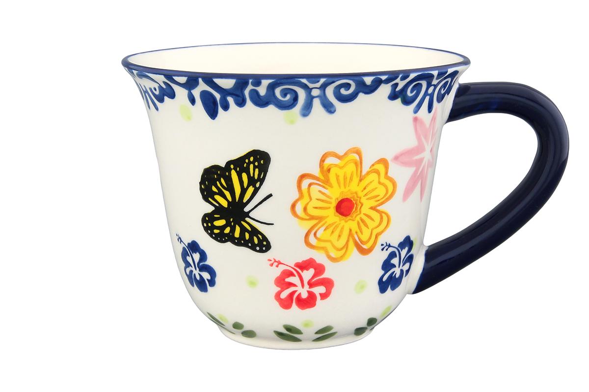 Кружка Elan Gallery Бабочки, 350 мл830167Кружка Elan Gallery Бабочки, изготовленная из высококачественной керамики, сочетает в себе элегантный дизайн с максимальной функциональностью. Очень красивая кружка с нежным, романтичным рисунком понравится любой девушке. В такой кружке любой напиток покажется еще вкуснее. Поднимет настроение и будет радовать глаз каждый день. Подойдет в качестве подарка утонченной особе! Не рекомендуется применять абразивные моющие средства. Не использовать в микроволновой печи. Диаметр кружки (по верхнему краю): 11 см. Высота кружки: 9 см.