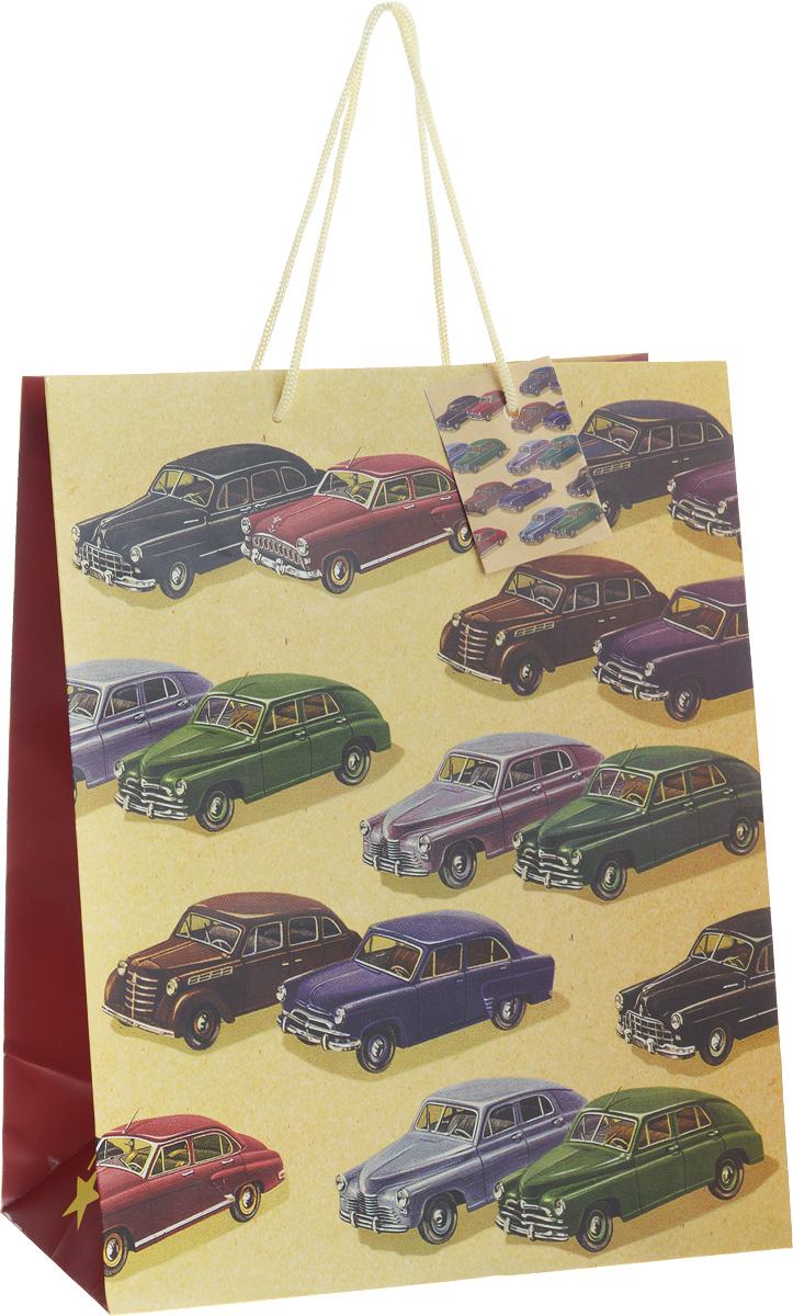 Пакет подарочный Феникс-Презент Автомобили, 26 х 13 х 33 см40850Подарочный пакет Феникс-презент Автомобили, изготовленный из плотной бумаги, станет незаменимым дополнением к выбранному подарку. Дно изделия укреплено картоном, который позволяет сохранить форму пакета и исключает возможность деформации дна под тяжестью подарка. Для удобной переноски на пакете имеются две ручки из шнурков. Подарок, преподнесенный в оригинальной упаковке, всегда будет самым эффектным и запоминающимся. Окружите близких людей вниманием и заботой, вручив презент в нарядном, праздничном оформлении. Плотность бумаги: 140 г/м2.
