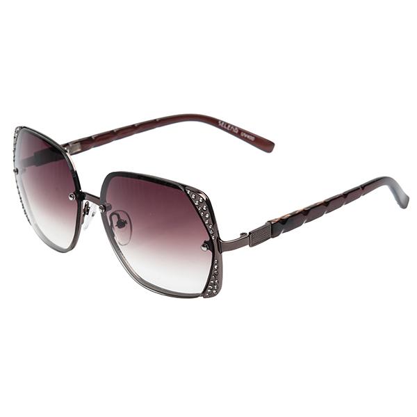 Солнцезащитные очки женские Selena, цвет: коричневый, золотой. 8002458180024581Солнцезащитные женские очки Selena выполнены из металла с элементами из высококачественного пластика, оправа инкрустирована стразами. Линзы данных очков с высокоэффективным фильтром UV-400 Protection обеспечивают полную защиту от ультрафиолетовых лучей. Используемый пластик не искажает изображение, не подвержен нагреванию и вредному воздействию солнечных лучей. Такие очки защитят глаза от ультрафиолетовых лучей, подчеркнут вашу индивидуальность и сделают ваш образ завершенным.
