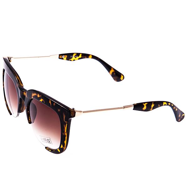 Солнцезащитные очки женские Selena, цвет: коричневый. 8002887180028871Солнцезащитные женские очки Selena выполнены из высококачественного пластика с элементами из металла, оправа оформлена принтом леопард. Используемый пластик не искажает изображение, не подвержен нагреванию и вредному воздействию солнечных лучей. Линзы данных очков с высокоэффективным фильтром UV-400 Protetion обеспечивают полную защиту от ультрафиолетовых лучей. Металлическая часть заушника легкая, прилегающей формы и поэтому не создает никакого дискомфорта. Такие очки защитят глаза от ультрафиолетовых лучей, подчеркнут вашу индивидуальность и сделают ваш образ завершенным.