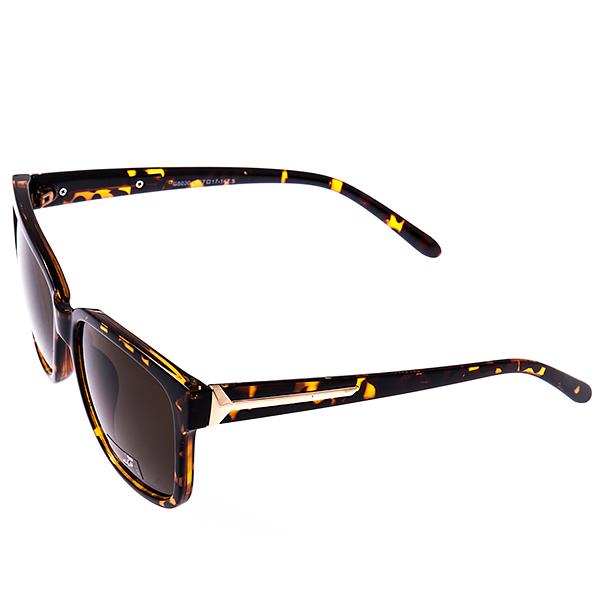 Солнцезащитные очки женские Selena, цвет: коричневый. 8002919180029191Солнцезащитные женские очки Selena выполнены из высококачественного пластика, оправа оформлена принтом леопард, а дужки дополнены декоративными элементами из металла. Линзы данных очков с высокоэффективным фильтром UV-400 Protetion обеспечивают полную защиту от ультрафиолетовых лучей. Используемый пластик не искажает изображение, не подвержен нагреванию и вредному воздействию солнечных лучей. Такие очки защитят глаза от ультрафиолетовых лучей, подчеркнут вашу индивидуальность и сделают ваш образ завершенным.