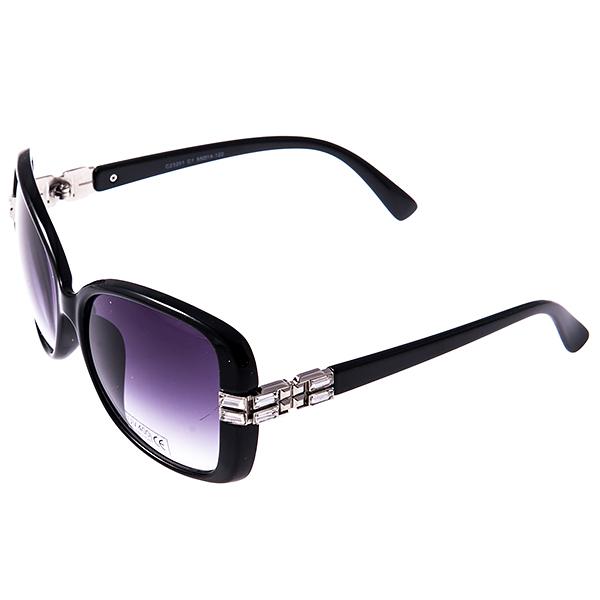 Солнцезащитные очки женские Selena, цвет: черный. 8003011180030111Солнцезащитные женские очки Selena выполнены из высококачественного пластика с элементами из металла, дужки оформлены стразами. Линзы данных очков с высокоэффективным фильтром UV-400 Protetion обеспечивают полную защиту от ультрафиолетовых лучей. Используемый пластик не искажает изображение, не подвержен нагреванию и вредному воздействию солнечных лучей. Такие очки защитят глаза от ультрафиолетовых лучей, подчеркнут вашу индивидуальность и сделают ваш образ завершенным.