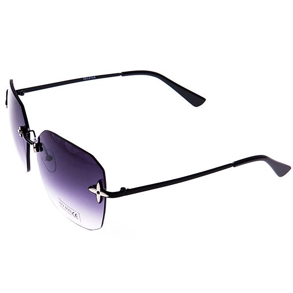 Солнцезащитные очки женские Selena, цвет: черный. 8003034180030341Солнцезащитные женские очки Selena выполнены из металла с элементами из высококачественного пластика, дужки оформлены декоративными элементами. Линзы данных очков с высокоэффективным фильтром UV-400 Protetion обеспечивают полную защиту от ультрафиолетовых лучей. Используемый пластик не искажает изображение, не подвержен нагреванию и вредному воздействию солнечных лучей. Такие очки защитят глаза от ультрафиолетовых лучей, подчеркнут вашу индивидуальность и сделают ваш образ завершенным.