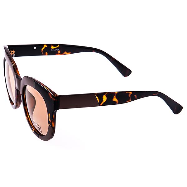 Солнцезащитные очки женские Selena, цвет: коричневый. 8003133180031331Солнцезащитные женские очки Selena выполнены из высококачественного пластика с элементами из металла, оправа оформлена принтом леопард. Линзы данных очков с высокоэффективным фильтром UV-400 Protetion обеспечивают полную защиту от ультрафиолетовых лучей. Используемый пластик не искажает изображение, не подвержен нагреванию и вредному воздействию солнечных лучей. Такие очки защитят глаза от ультрафиолетовых лучей, подчеркнут вашу индивидуальность и сделают ваш образ завершенным.