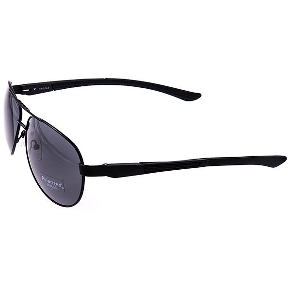 Солнцезащитные очки Selena, цвет: черный. 8003168180031681Универсальные солнцезащитные очки Selena выполнены из металла с элементами из силикона и высококачественного пластика. Линзы данных очков с высокоэффективным поляризационным покрытием и фильтром UV400 блокируют слепящий эффект и обеспечивают полную защиту от ультрафиолетовых лучей. Используемый пластик не искажает изображение, не подвержен нагреванию и вредному воздействию солнечных лучей. Дужки дополнены покрытием из силикона, что обеспечит максимальный комфорт. Такие очки защитят глаза от ультрафиолетовых лучей, подчеркнут вашу индивидуальность и сделают ваш образ завершенным.