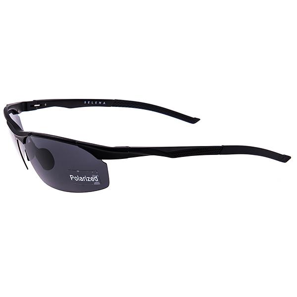 Солнцезащитные очки Selena, цвет: черный. 8003187180031871Универсальные солнцезащитные очки Selena выполнены из металла с элементами из силикона и высококачественного пластика. Линзы данных очков с высокоэффективным поляризационным покрытием блокируют слепящий эффект и обеспечивают полную защиту от ультрафиолетовых лучей. Используемый пластик не искажает изображение, не подвержен нагреванию и вредному воздействию солнечных лучей. Дужки дополнены покрытием из силикона, что обеспечит максимальный комфорт при использовании. Такие очки защитят глаза от ультрафиолетовых лучей, подчеркнут вашу индивидуальность и сделают ваш образ завершенным.