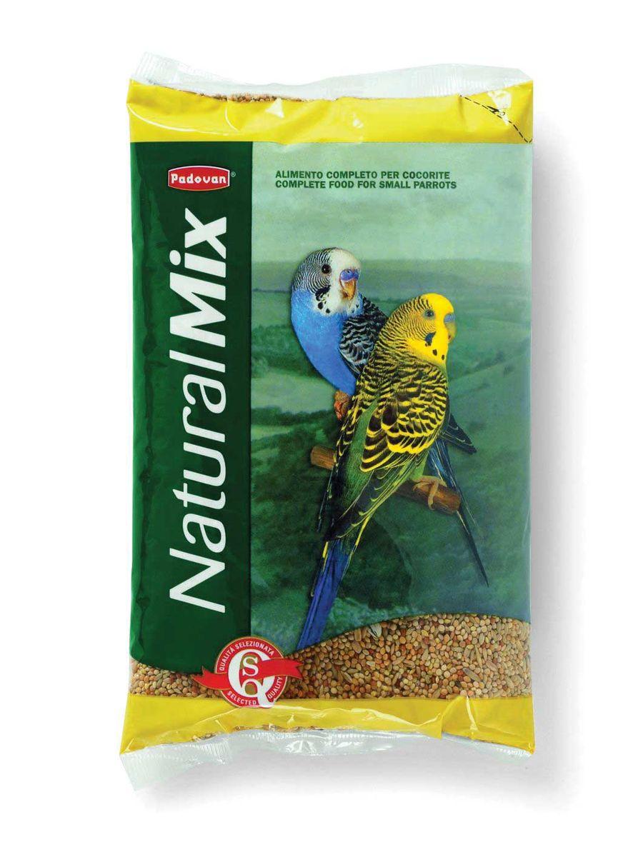 Корм Padovan Naturalmix Cocorite для волнистых попугаев, 1 кг16797Высококачественный основной полнорационный корм для волнистых попугаев. Состав: желтое, красное, белое просо 70%, лущёный овес 20%, канареечное семя 10%.