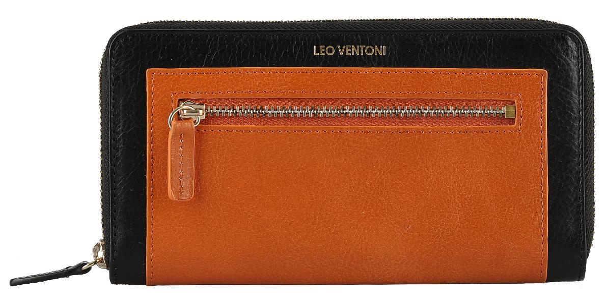 Кошелек женский Leo Ventoni, цвет: черный, оранжевый. L330832L330832 nero/orangeОригинальный женский кошелек Leo Ventoni, выполненный из натуральной кожи, дополнен контрастной вставкой на лицевой стороне и принтом в виде логотипа бренда. Внутри три отделения для купюр, два боковых кармана для мелочей, восемь кармашков для кредитных карт, карман на пластиковой молнии для монет и один кармашек с прозрачным пластиковым окошком. Снаружи имеется врезной карман на металлической застежке-молнии. Изделие закрывается на застежку-молнию. Кошелек упакован в коробку из плотного картона с логотипом фирмы. Такой кошелек станет замечательным подарком человеку, ценящему качественные и практичные вещи.