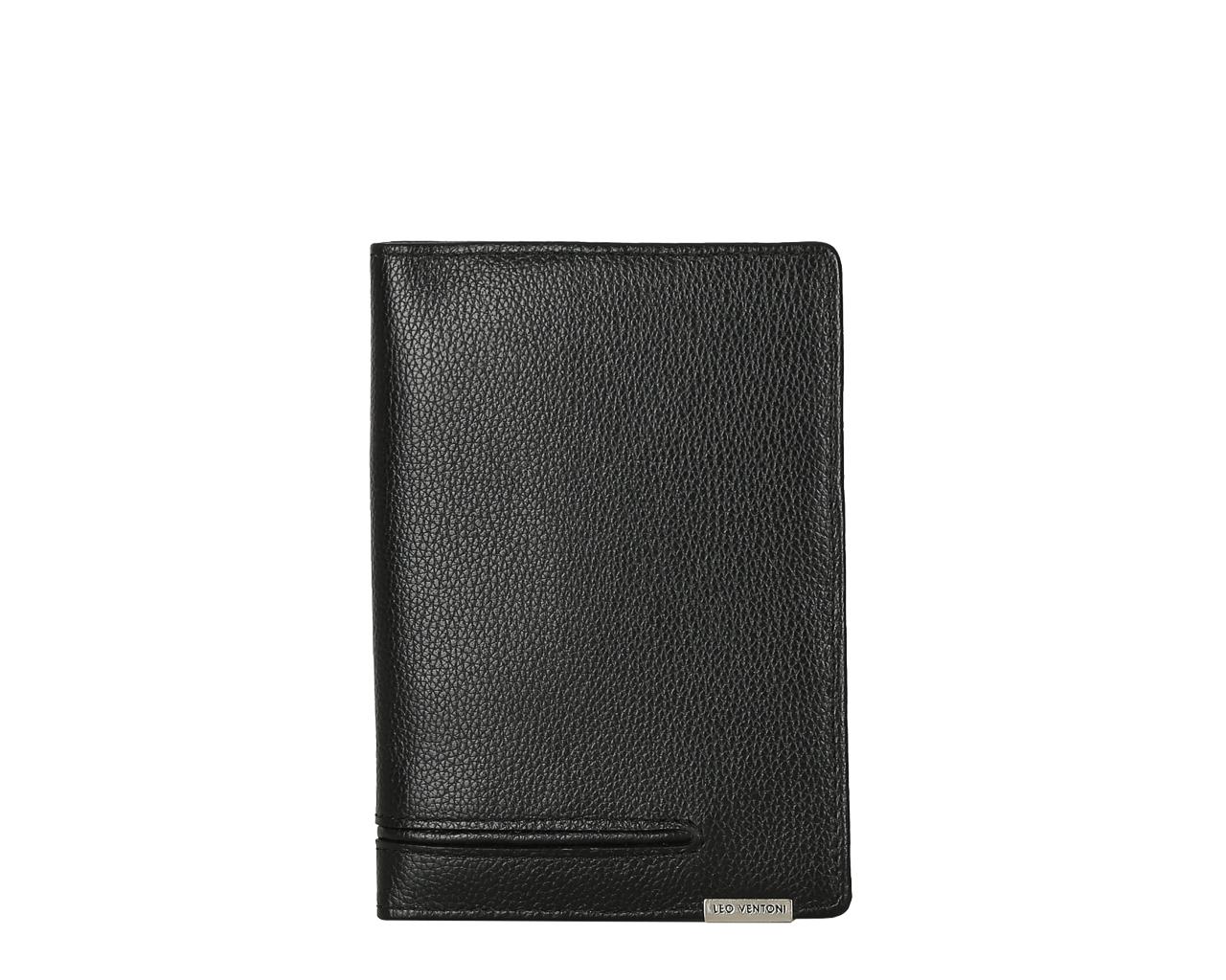 Обложка для документов мужская Leo Ventoni, цвет: черный. L330851L330851-neroМужская обложка для паспорта LEO VENTONI из натуральной кожи черного цвета. Внутри отделение для паспорта.