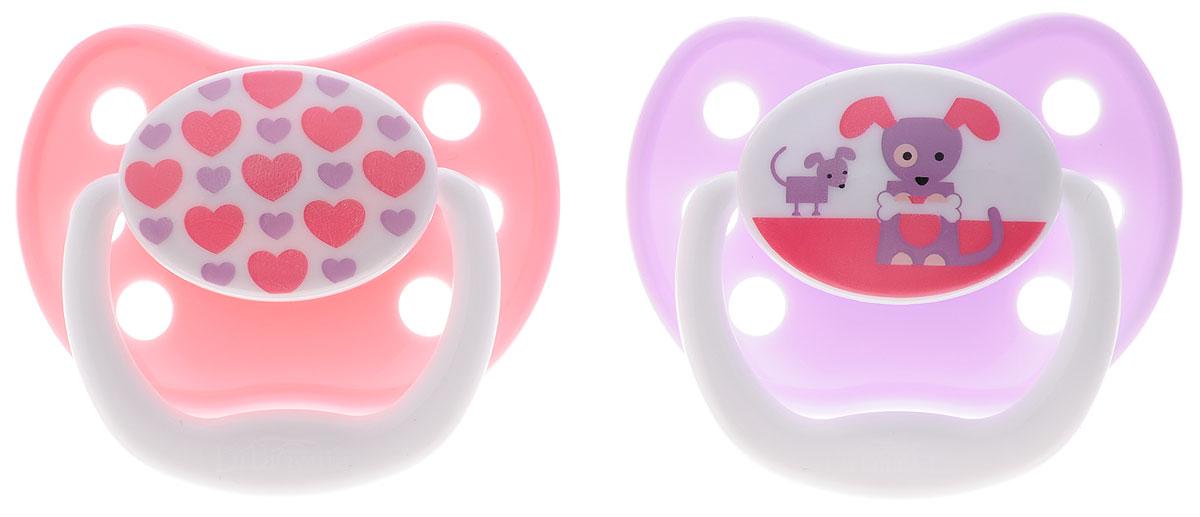 Dr.Browns Пустышка PreVent Классик от 0 до 6 месяцев цвет розовый сиреневый 2 штPV12305_розовый, сиреневыйПустышка Dr.Browns PreVent. Классик предназначена для малышей от 0 до 6 месяцев. Пустышка имеет воздушный канал, который ослабляет разрежение и снижает давление на небо. Мягкая, ослабляющая разрежение грушевидная часть соски при сосании расходится в стороны, создавая комфортные условия. Тонкая ножка уменьшает воздействие на рот ребенка. Удобная силиконовая соска пустышки не обладает вкусом и запахом, что делает ее наиболее приемлемой для малыша. Силикон - это мягкий и прозрачный материал, который не липнет и легко моется. Такая соска прочна и прослужит долго, не потеряв со временем форму и цвет. Не содержит Бисфенол-А. В комплекте 2 пустышки с защелкивающимися гигиеническими колпачками.