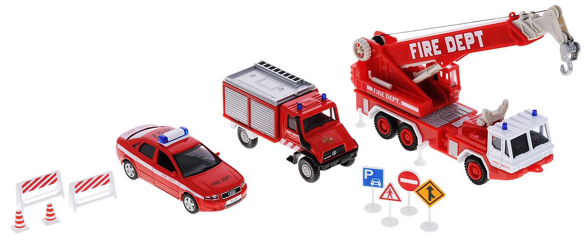 Welly Игровой набор Пожарная служба 11 предметов99610-10BИгровой набор Welly Пожарная команда представляет собой 3 реалистичные модели , выполненные в виде точных копий пожарной техники и 8 сопутствующих атрибутов. Набор включает в себя автокран, седан, грузовик и 8 дорожных знаков. Модели отличаются высоким качеством исполнения и детализации. Корпус моделей выполнен из металла и пластика, стекла изготовлены из прочного прозрачного пластика. Колеса машинок и башня крана вращаются, дверцы седана открываются, стрела крана выдвигается, крюк крана опускается. Ваш ребенок часами будет играть с набором, придумывая различные истории. Порадуйте его таким замечательным подарком!