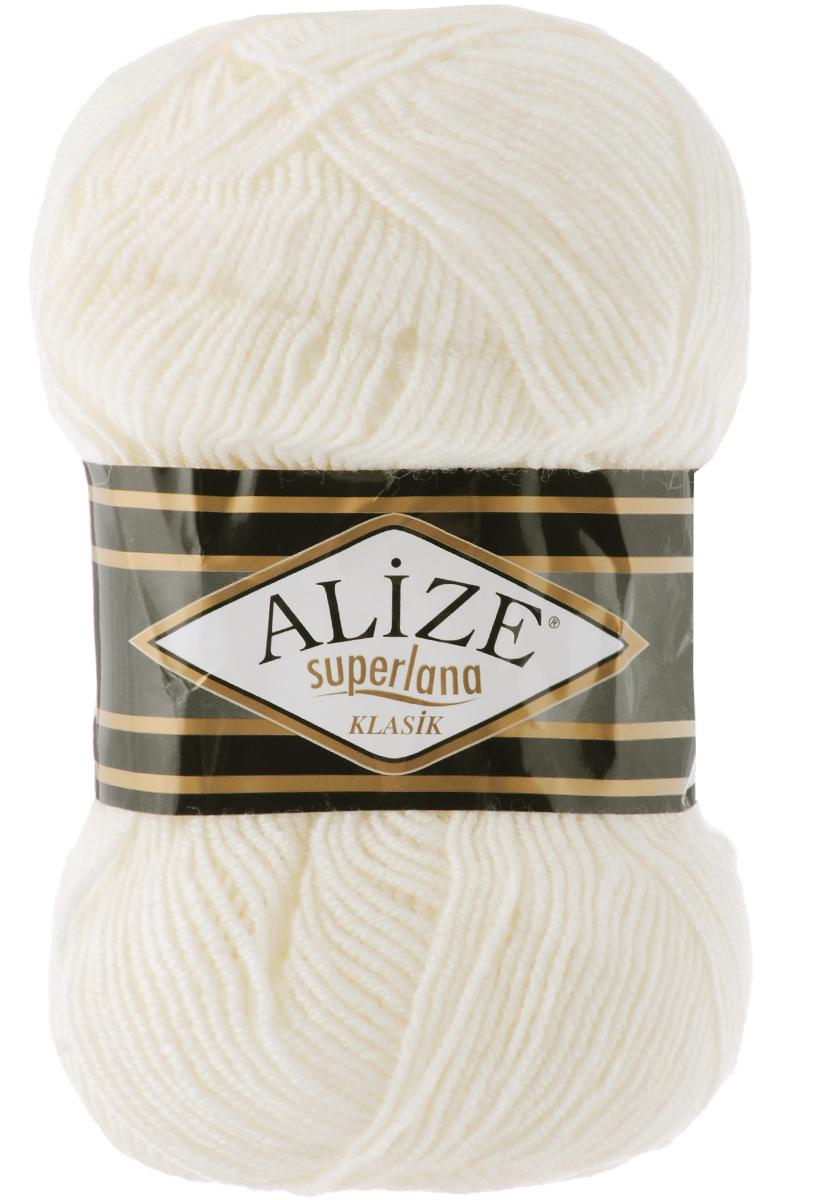 Пряжа для вязания Alize Superlana Klasik, цвет: молочный (62), 280 м, 100 г, 5 шт692917_62Классическая пряжа Alize Superlana Klasik имеет среднюю толщину нити и состоит из 25% шерсти и 75% акрила. Подходит для создания вещей на осень. Пуловеры, платья, кардиганы, шапки и шарфы из этой пряжи отлично держат форму и прекрасно согреют вас в холодную погоду. Благодаря составу и скрутке, петли отлично ложатся одна к другой, вязаное полотно получается ровное и однородное. Пряжа рассчитана на любой уровень мастерства, но особенно понравится начинающим мастерицам - благодаря толстой нити пряжа Alize Superlana Klasik позволяет быстро связать простую вещь. Структура и состав пряжи максимально комфортны для вязания. Рекомендуемый размер спиц и крючка: № 3-4. Состав: 75% акрил, 25% шерсть.