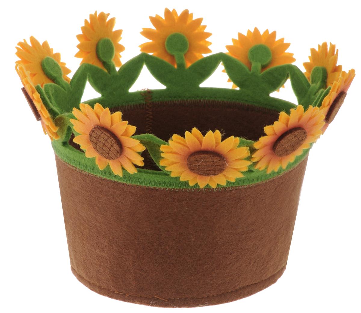 Украшение декоративное RTO Корзинка, цвет: коричневый, зеленый, оранжевый - RTO / РТОHQC-16-4811Декоративное украшение RTO Корзинка, изготовленное из фетра, предназначено для украшения интерьера и сервировки стола. Оно послужит приятным и полезным сувениром для близких и знакомых и, несомненно, доставит массу положительных эмоций своему обладателю. Диаметр корзинки (по верхнему краю): 18 см. Высота стенок: 18 см.