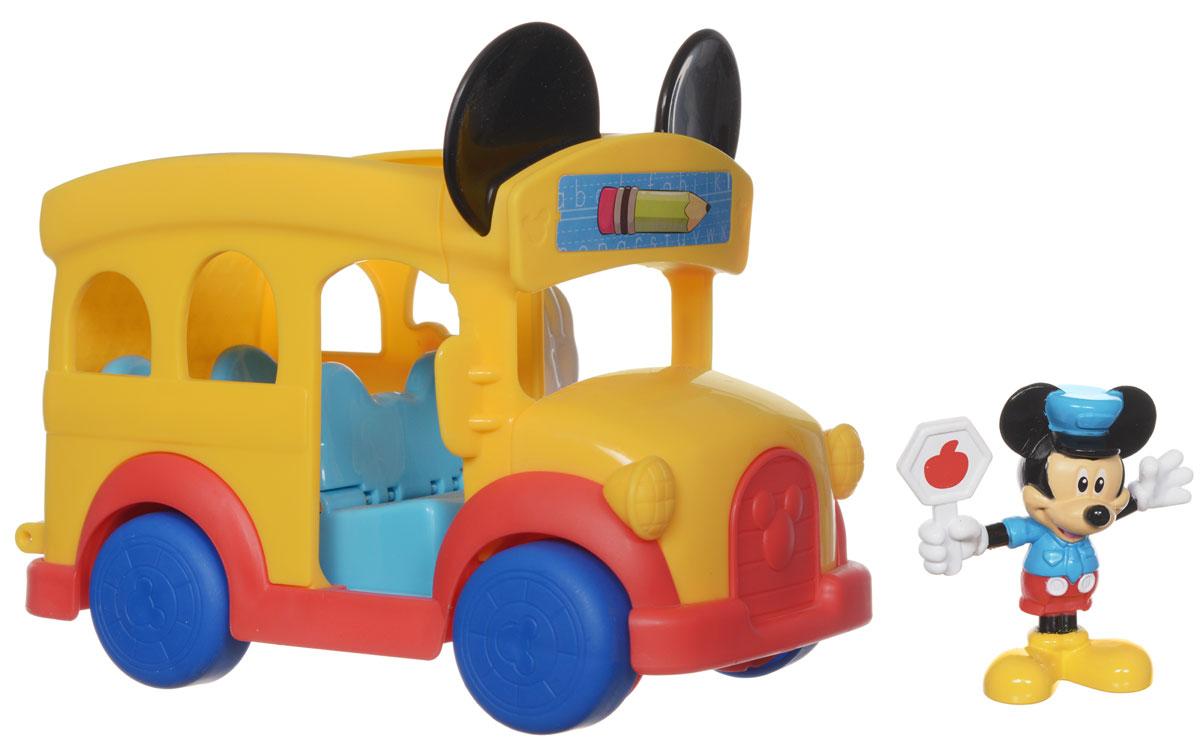 Игровой набор Mickey Mouse Школьный автобусCBP00Игровой набор Mickey Mouse Школьный автобус не позволит скучать вашему малышу. Он выполнен из безопасного пластика ярких цветов и включает игрушку в виде школьного автобуса с двумя рядами сидений и фигурку в виде Микки-Мауса в форме инспектора дорожного движения. Инспектор Микки Маус регулирует движение школьного автобуса! Фигурку можно посадить в салон автобуса на любое из сидений. При нажатии рычажка в виде руки Микки-Мауса, расположенного сбоку автобуса, спинки сидений складываются, сиденья приподнимаются, образуя горку и откидывая назад трап, и фигурка весело скатывается по горке вниз. С игровым набором Mickey Mouse Школьный автобус малыш весело проведет время. Порадуйте его таким замеччательным подарком!