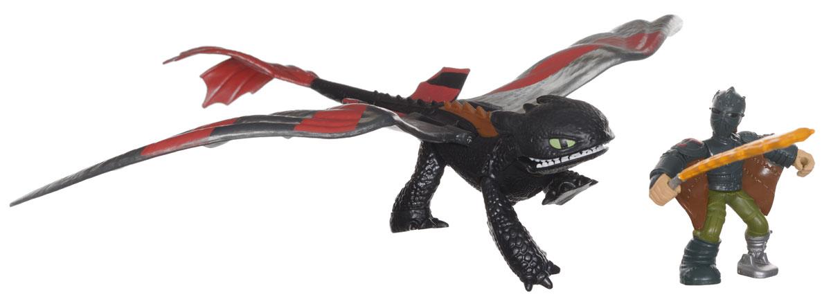 Игровой набор Dragons Hiccup & Toothless66594/Hiccup/20068723Игровой набор Dragons Hiccup & Toothless понравится вашему ребенку. Он включает фигурку дракона Беззубика, фигурку Иккинга и аксессуар для сражений, отлично умещающийся ему в руку. Фигурки героя и дракона выполнены из прочного пластика и устойчивы к повреждениям. Фигурку Иккинга можно посадить на Беззубика и устраивать незабываемые полеты. Если подвинуть правую заднюю лапу дракона вперед, Беззубик поднимет крылья и откроет пасть. Порадуйте вашего ребенка таким замечательным подарком!