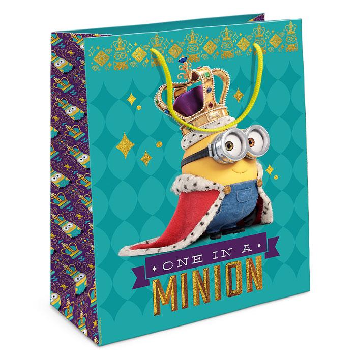 Universal Миньоны Пакет подарочный Миньон-король 35 см х 25 см х 9 см29999Приобрести интересный подарок для ребенка - это только часть задачи. Не менее важно его красиво упаковать! Самым простым, практичным и при этом очень красивым видом упаковки является подарочный пакет - особенно с любимыми героями малыша. Бумажный пакет Миньон-король с забавным Бобом в наряде монарха эффектно дополнит ваш подарок и поможет создать праздничную атмосферу. Размер бумажного подарочного пакета: 35х25х9 см. В ассортименте вы можете найти такой же пакет размером 23х18х10 см.