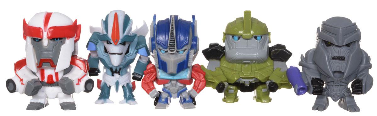 Transformers Набор коллекционных фигурок Prime, 5 штTRF352Удивительный набор коллекционных фигурок Transformers Prime станет прекрасным подарком для поклонников фантастической саги! В наборе 5 пластиковых фигурок - персонажей истории о трансформерах. Каждая фигурка имеет свою оригинальную подставку для создания коллекции, а также карту с именем и характеристиками персонажа. Оборотная сторона представляет собой лентикулярный 3D пазл, являющейся частью картины, которую вы сможете собрать, имея полную коллекцию. Гид по коллекции есть в каждом наборе, рассказывающий о героях серии. Набор станет для вашего ребенка интересной игрушкой, познавательной головоломкой, и самое главное, что коллекционирование способствует формированию эстетического вкуса ребенка, расширяет его кругозор, развивает любознательность, а также помогает найти взаимопонимание со сверстниками. Купите 3 набора: Generation1, Prime, The Movie и соберите полную картину из пазлов-карточек!