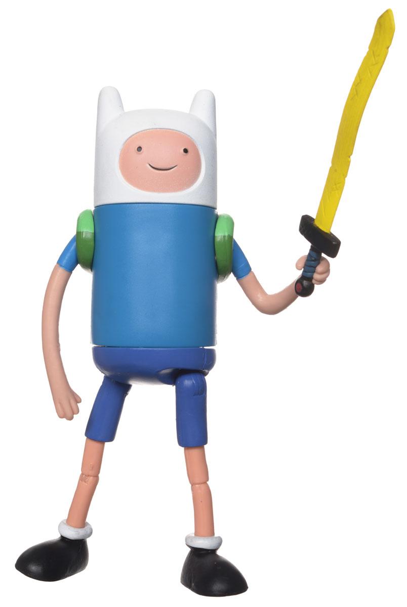 Фигурка Adventure Time Stretchy Finn, с мечом14211Яркая фигурка Adventure Time Stretchy Finn не оставит равнодушным вашего ребенка и не позволит ему скучать. Фигурка создана по мотивам одного из самых популярных мультсериалов Adventure Time (Время Приключений с Финном и Джейком). Финн - единственный представитель человеческой расы в мультсериале. Он отважный юноша, который постоянно борется со злодеями, обожает путешествовать и спасать принцесс из лап ужасных монстров и злодеев, населяющих Землю Ууу. В комплект входит меч, которого боятся все злодеи нарисованного мира. У героя в мультсериале несколько мечей, но чаще он пользуется именно золотым. Фигурка Stretchy Finn имеет несколько точек артикуляции, поэтому она может принимать различные положения (подвижны ручки и ножки, поворачивается тело). Ваш малыш будет часами играть с фигуркой, придумывая различные истории, а благодаря компактным размерам он сможет брать ее с собой на прогулку или в гости.