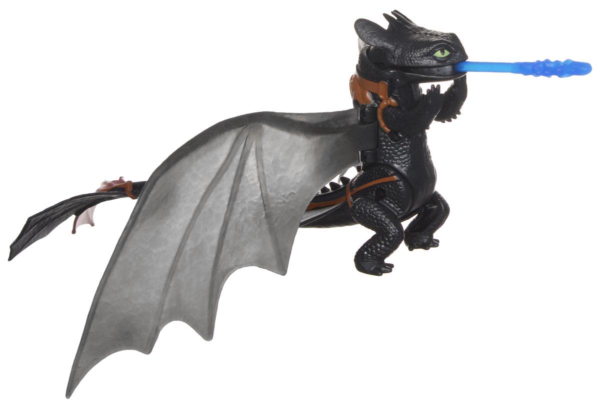 Игрушка Dragons Функциональные драконы: Toothless. 6655066550Игрушка Dragons Функциональные драконы: Toothless непременно придется по душе вашему ребенку. Игрушка выполнена из прочного пластика в виде дракона Toothless по прозвищу Беззубик из популярного мультфильма Как приручить дракона 2. С драконом можно организовать настоящее сражение, ведь эти умелые бойцы снабжены всем необходимым для настоящей схватки с противником! Благодаря игрушке Dragons Функциональные драконы: Toothless ваш ребенок с удовольствием будет проигрывать любимые сцены из мультфильма или придумывать свои истории!