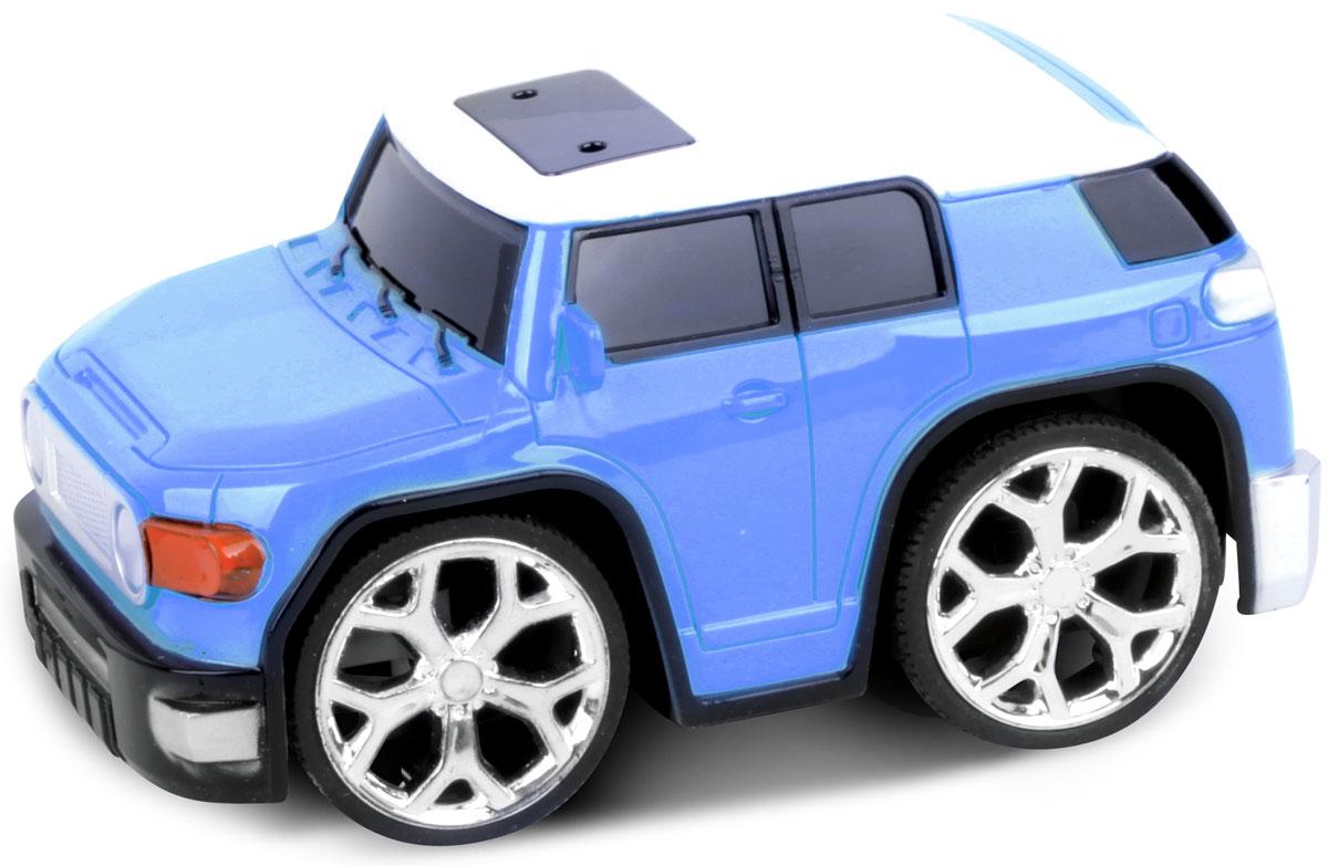 Bluesea Машинка на радиоуправлении Racing Car цвет синий5588-04Это один из представителей яркой серии машинок Racing Car. Она проста в управлении, двигается вперед, назад, влево и вправо. Для того, чтобы начать играть, достаточно просто докупить элементов питания для машинки и пульта управления.