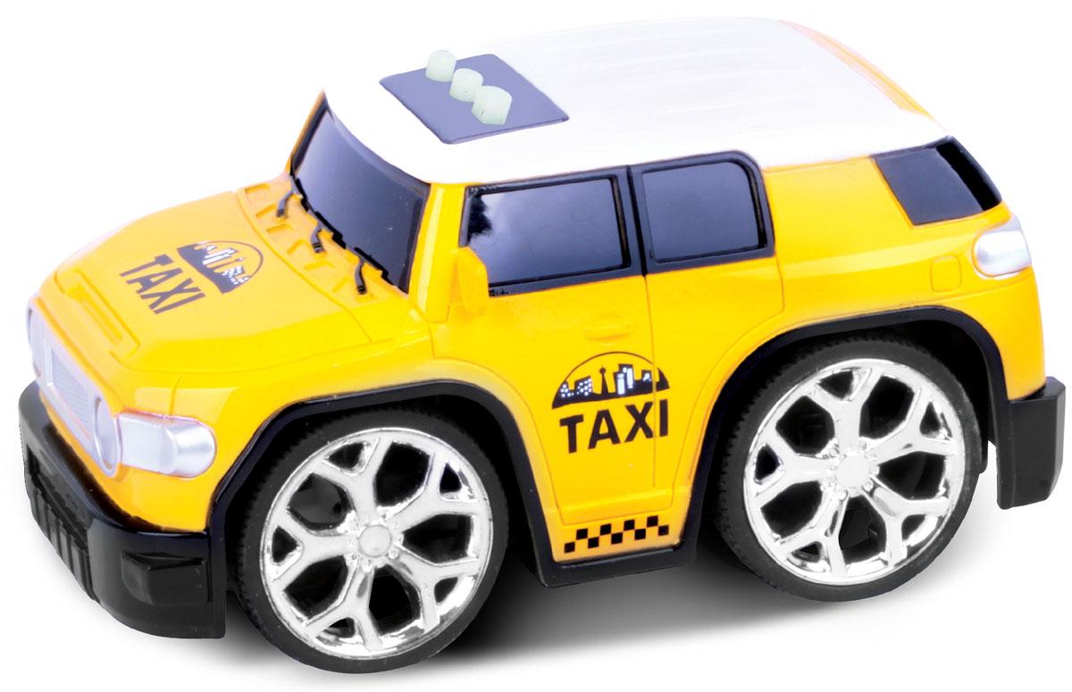 Bluesea Машинка со светом и звуком цвет желтый5588-86ВНебольшая оригинальная интерактивная машинка! Три интерактивные функции: запуск двигателя, включение музыки и движение вперед. Для эксплуатации необходимо докупить элементы питания АА.