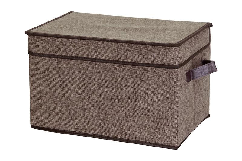 Кофр для хранения El Casa, складной, цвет: коричневый, 40 х 25 х 25 см840097Компактный складной кофр El Casa изготовлен из высококачественного льна, который обеспечивает естественную вентиляцию, позволяя воздуху проникать внутрь, но не пропуская пыль. Стенки из плотного картона хорошо держат форму, а специальная вставка служит для уплотнения дна или регулирования главного отделения. Кофр оснащен 2 удобными ручками, которые позволяют использовать его в качестве выдвижного ящика в гардеробе или шкафу. Изделие закрывается откидной крышкой. Оригинальный дизайн сделает вашу гардеробную красивой и невероятно стильной. Размер кофра (в собранном виде): 40 х 25 х 25 см.