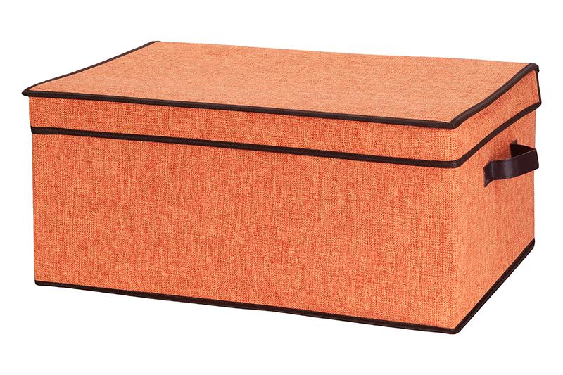Кофр для хранения El Casa, складной, цвет: оранжевый, 58 х 38 х 26 см840060Компактный складной кофр El Casa изготовлен из высококачественного льна, который обеспечивает естественную вентиляцию, позволяя воздуху проникать внутрь, но не пропуская пыль. Вставка и стенки из плотного картона хорошо держат форму. Кофр оснащен 2 удобными ручками, которые позволяют использовать его в качестве выдвижного ящика в гардеробе или шкафу. Изделие закрывается откидной крышкой. Оригинальный дизайн сделает вашу гардеробную красивой и невероятно стильной. Размер кофра (в собранном виде): 58 х 38 х 26 см.