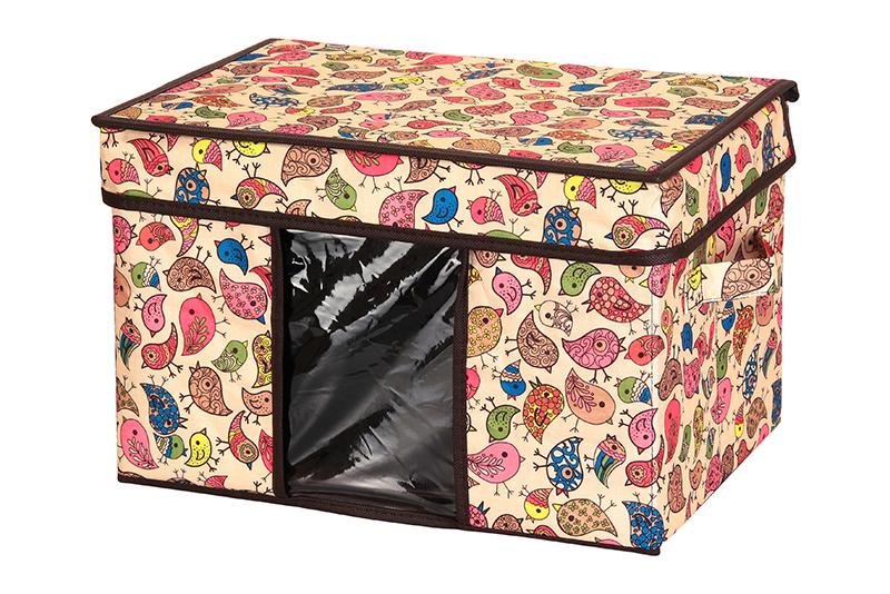 Кофр для хранения El Casa Птички, складной, 40 х 25 х 25 см840089Компактный складной кофр El Casa Птички изготовлен из высококачественного полиэстера, который обеспечивает естественную вентиляцию, позволяя воздуху проникать внутрь, но не пропуская пыль. Стенки из плотного картона хорошо держат форму, а специальная вставка служит для уплотнения дна или регулирования главного отделения. Кофр оснащен 2 удобными ручками, которые позволяют использовать его в качестве выдвижного ящика в гардеробе или шкафу. Изделие закрывается откидной крышкой. Прозрачная вставка из ПВХ позволяет легко просматривать содержимое. Оригинальный дизайн сделает вашу гардеробную красивой и невероятно стильной. Размер кофра (в собранном виде): 40 х 25 х 25 см.