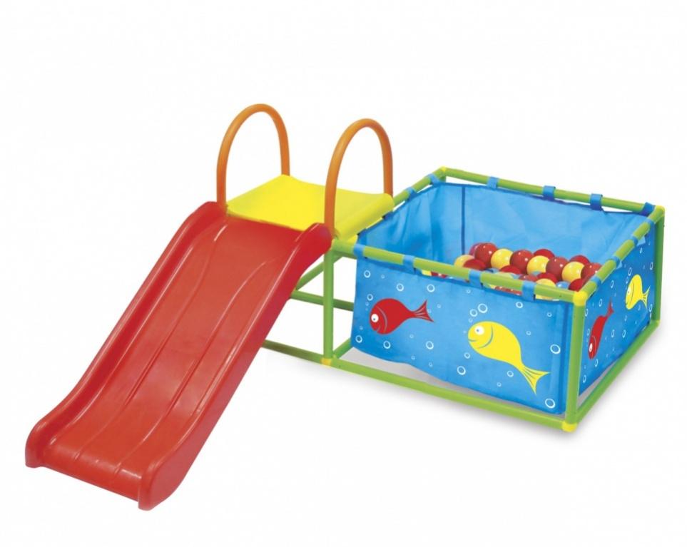Bradex Детская горка Семицветик и бассейн с яркими шарикамиDE 0054С игровой площадкой Семицветик Вы сможете на личном опыте убедиться, что бассейн может быть отличным местом для веселья и без воды! Разноцветные веселые шарики полностью заменяют ребенку радость плавания. Игры в сухом бассейне благотворно влияют на развитие мышц, легких и сердечно-сосудистой системы ребенка. Игровая площадка рассчитана на детей в возрасте от года до трех лет, выполнена из материалов высокого качества, легко собирается и не требует особого ухода. Семицветик - это не только бассейн с 50 разноцветными шариками, но и горка. Соберите ее и поставьте так, чтобы малыш мог съезжать прямо в бассейн с шариками или играйте с ней отдельно: какой бы способ Вы ни выбрали, можно быть увереным, что с площадкой Семицветик Ваш ребенок скучать не будет.