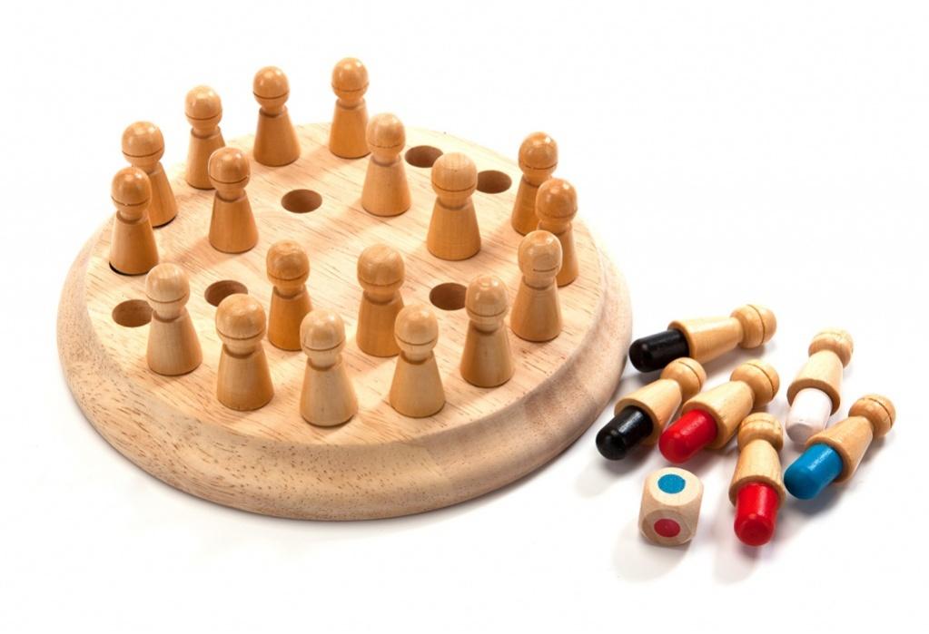 Bradex Шахматы для тренировки памяти МнемоникиDE 0112Подарив ребенку шахматы детские для тренировки памяти «МНЕМОНИКИ», Вы сами увлечетесь этой игрой. Это прекрасный занимательный и азартный способ развития зрительной памяти, что так важно при взрослении детей. Тренируя свою память, каждый человек увеличивает потенциал для укрепления и преумножения своих знаний. «МНЕМОНИКИ» – это увлекательная игра, которая понравится всей семье. Преимущества: • Выполнены из натурального дерева • Приятны на ощупь • Развивает память и реакцию • Простые, понятные правила • Увлекает детей и даже взрослых • Подходит как для одиночной, так и для групповой игры • 24 фигуры шести ярких цветов • Экологически чистый продукт